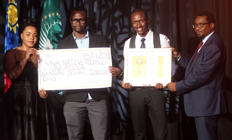 Winner of N$1 million in the Development Bank of Namibia 2018 Innovation Award, VNA Native Foods. VNA provided a plan to manufacture powdered soup made from African spinach. The product will provide and additional outlet for local agriculture, contribute to agri-industry and be an alternative to imported powdered soups. Presenting the Award, Deputy Minister of Finance Natangwe Ithete and Chairperson of the DBN Board, Tania Hangula.